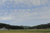 うろこ雲 32186000702  写真素材・ストックフォト・画像・イラスト素材 アマナイメージズ