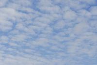 うろこ雲 32186000703  写真素材・ストックフォト・画像・イラスト素材 アマナイメージズ