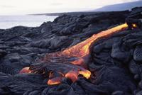 キラウェア火山から流れるパホイホイ溶岩流