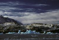 グレイ湖 パタゴニア大氷原のグレイ氷河から様々な大きさと形の