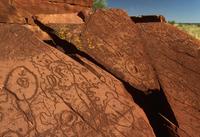 アボリジニの岩面彫刻 32240001721| 写真素材・ストックフォト・画像・イラスト素材|アマナイメージズ