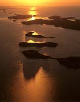 夜明けのタルボット湾 空撮 32240002918| 写真素材・ストックフォト・画像・イラスト素材|アマナイメージズ