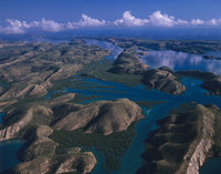 タルボット湾の島々 空撮 32240003023| 写真素材・ストックフォト・画像・イラスト素材|アマナイメージズ