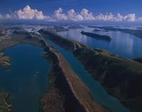 タルボット湾の島々 空撮 32240003025| 写真素材・ストックフォト・画像・イラスト素材|アマナイメージズ