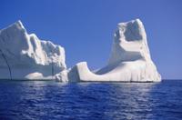 ラブラドール海流で南に流される氷山