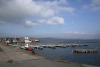 Bowmore harbour and Lochindaal on isle of Islay, Scotland. 32259008422| 写真素材・ストックフォト・画像・イラスト素材|アマナイメージズ