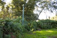 Cast-iron post, top of post indicating ground level  in 1851 32259008527| 写真素材・ストックフォト・画像・イラスト素材|アマナイメージズ