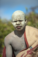 割礼の儀式を終えたアマポンドの男の子