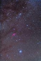 ペルセウス座と暗星雲 プレアデス星団とM34散開星団 32268000224| 写真素材・ストックフォト・画像・イラスト素材|アマナイメージズ