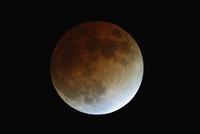 皆既月食  32268000243| 写真素材・ストックフォト・画像・イラスト素材|アマナイメージズ