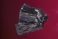 硫ヒ銅鉱の結晶