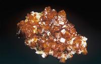 水鉛鉛鉱の結晶、モリブデンの鉱石