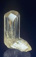 白鉛鉱の結晶、鉛の鉱石