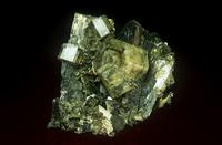 硫ヒ鉄鉱とリン灰石