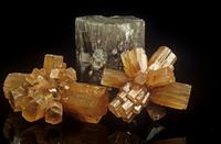 アラゴナイト(霰石)の結晶