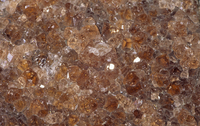 灰礬ざくろ石の結晶