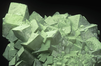 ダフト石の結晶と方解石