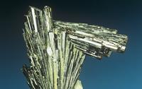 緑簾石の結晶