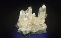 菱亜鉛鉱(スミソナイト)の結晶