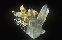 石英の中の菱鉄鉱