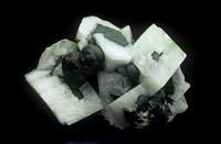 モットラム石と方解石