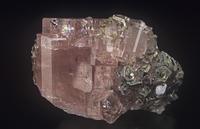 アパタイトの結晶と白雲母