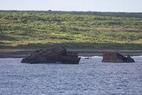 硫黄島の桟橋として利用した米軍のコンクリート艇