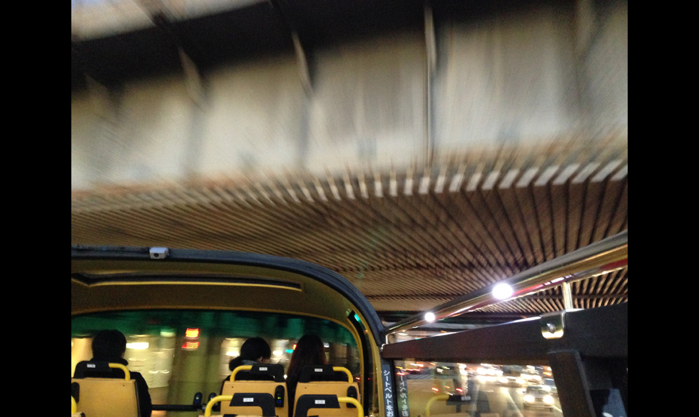 まるでアトラクション!スカイバスで東京の魅力を再発見