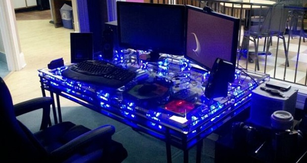 PC Inside a Table | AcidCow
