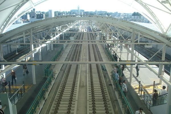 Motosumiyoshi_sta._platform