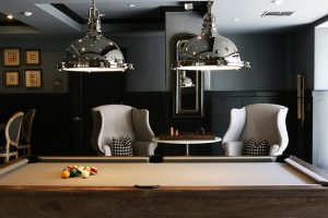 billiard-table-1835310_640
