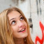 よく笑ってる女の子ってかわいい!歯は白くなきゃだめでしょ♡のサムネイル画像
