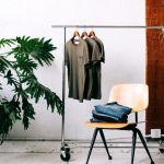 秋を意識した着こなしも楽しめる、グリーン系Tシャツの夏コーデ!のサムネイル画像