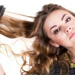 コテを使った簡単な巻き方で、いつものロングヘアをモテ髪に変身のサムネイル画像