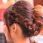 編み込みアップスタイルで華やかな髪型に!振袖におすすめの髪型のサムネイル画像