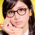 眼鏡女子が可愛い!ファッションアイテムの眼鏡を上手に使おう!のサムネイル画像