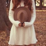 夏から秋に、季節の変わり目の服装選び。気温で見る秋ファッションのサムネイル画像