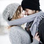 【カップル必見!】冬の定番アイテムマフラーでお揃いコーデを楽しむのサムネイル画像