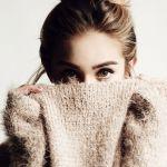 クローゼットでかさばる冬のセーター!すっきり賢い収納テクニックのサムネイル画像