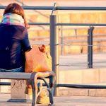【悩んだらCHECK!】年上女性が恋愛でつい悩んでしまう理由とは?のサムネイル画像