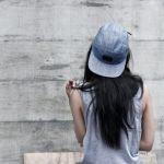 秋冬に帽子を買うなら一年中使えるグレーのキャップがおすすめ!のサムネイル画像