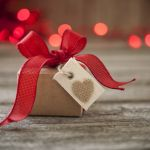 【気持ちが入りすぎるのもNG!】好きな人へのプレゼント、なに選ぶ?のサムネイル画像