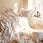 【憧れの可愛いベットルーム】それは癒しと素敵な女性を作り出す空間のサムネイル画像