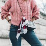 今年の秋冬はピンクのセーターで女性らしさを演出しませんか?のサムネイル画像