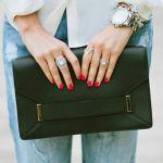 クラッチバッグは革素材を選んでお上品な女性になってみませんか?のサムネイル画像