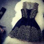 結婚式は何を着て行く?高評価間違いなしの、黒のお呼ばれワンピースのサムネイル画像