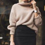 ニットの季節到来!セーターに合わせるインナーは?徹底研究!のサムネイル画像