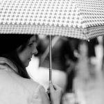 ビニール傘よりエコライフ!超軽量の折りたたみ傘を持ち歩こうのサムネイル画像