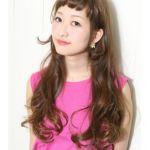 アレンジ自由自在!ロングヘアだからできるおすすめ髪の毛カタログのサムネイル画像