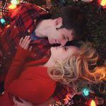 クリスマスのデートコーデはピンク&ホワイトでフェミニンで可愛くのサムネイル画像